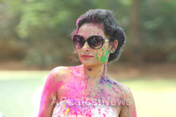 Bollywood actress Kesariees sizzling, sensuous Dry Holi