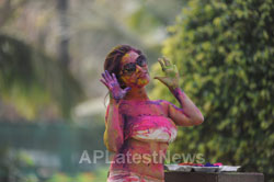 Pictures of Bollywood actress Kesariees sizzling, sensuous Dry Holi