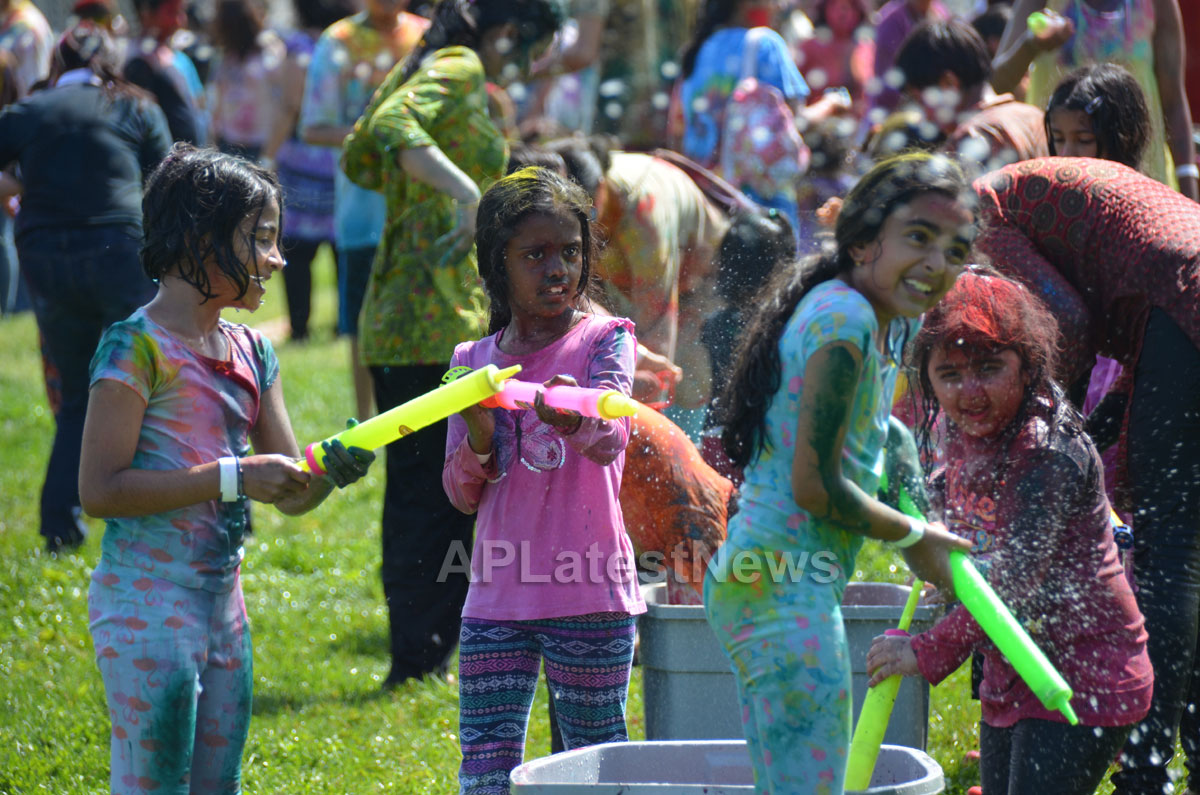 FOG Holi - Festival of Colors, Milpitas, CA, USA - Picture 8