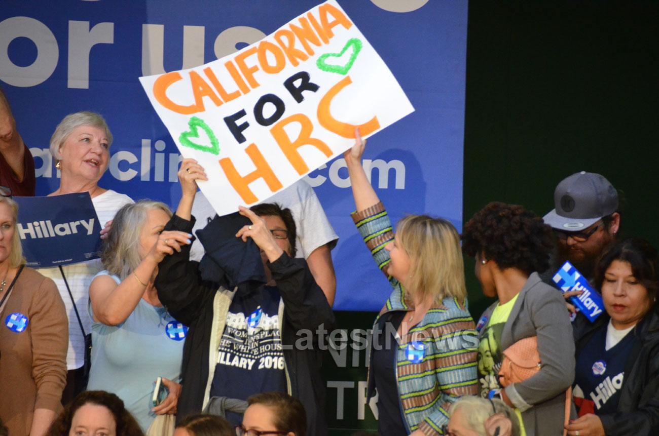 Campaign visit of Hillary Clinton - La Escuelita School, Oakland, CA, USA - Picture 5