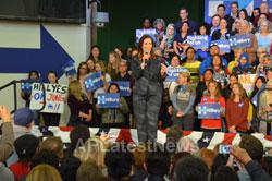 Campaign visit of Hillary Clinton - La Escuelita School, Oakland, CA, USA - Picture 15