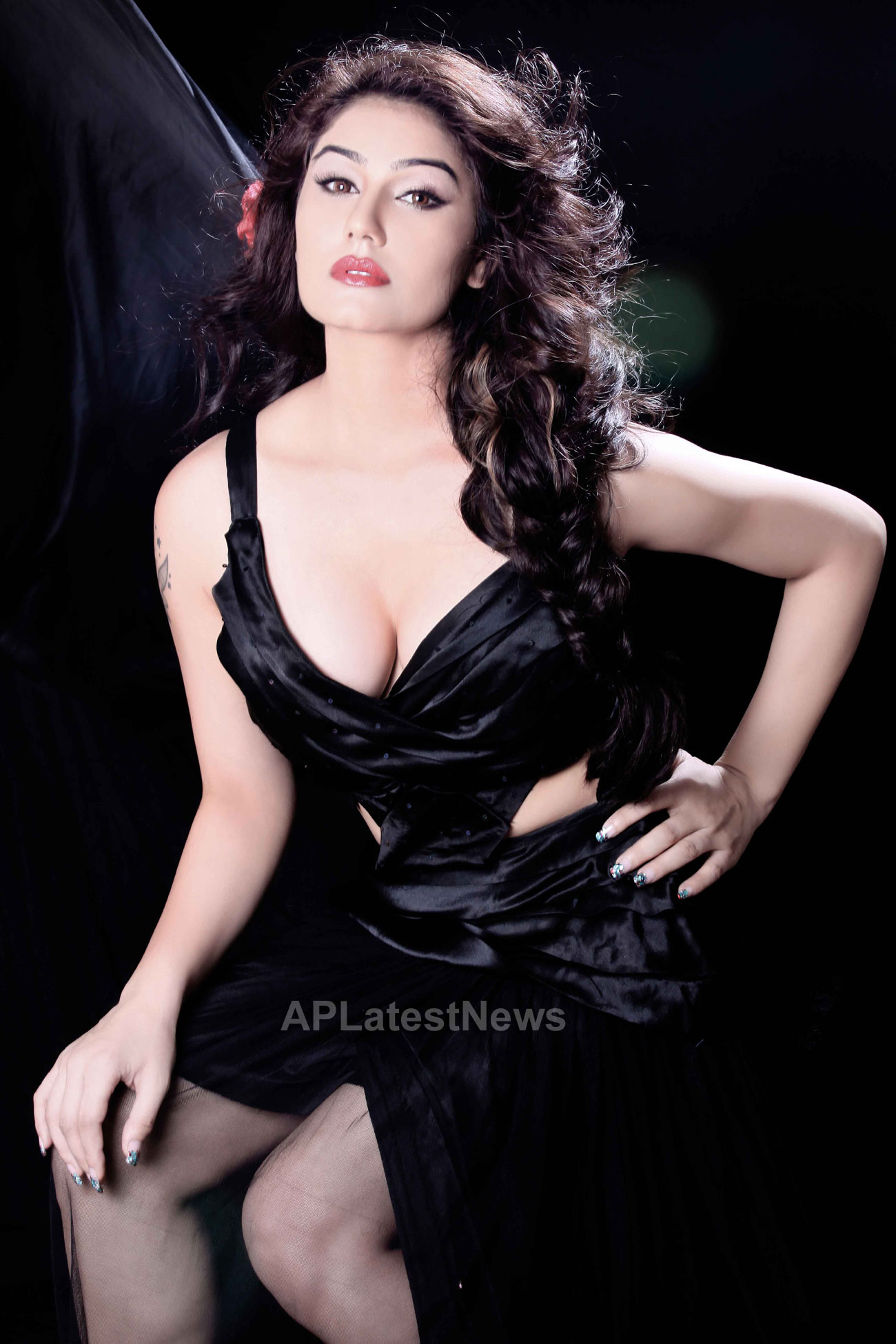 Bollywood actress Kangna Sharma turns Singer - Picture 3