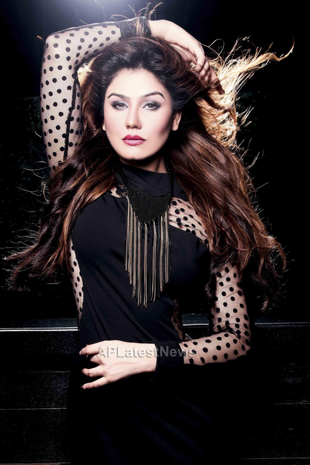 Bollywood actress Kangna Sharma turns Singer - Picture 5
