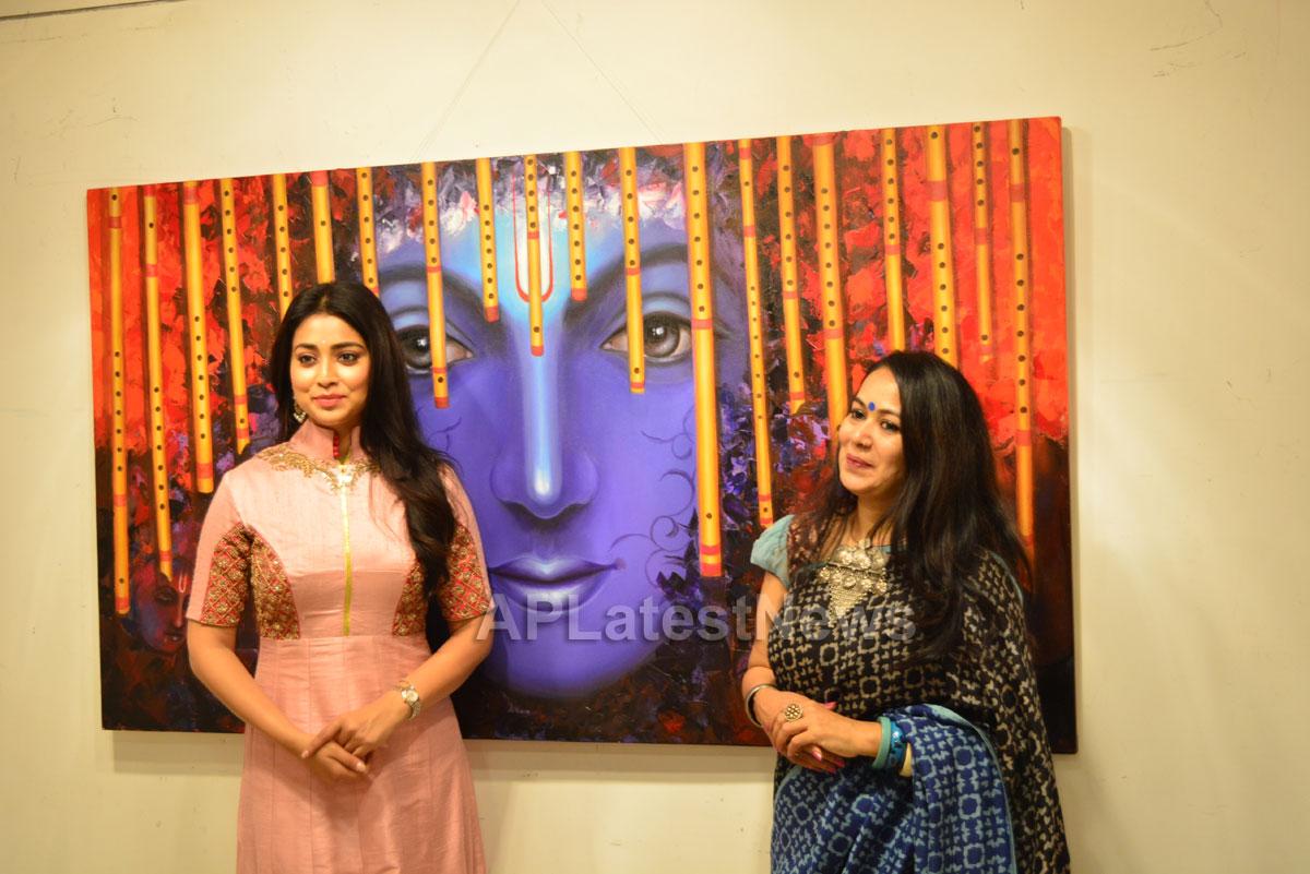 Actress Shriya Saran inaugurates Rakhi Baid art exhibition - Krishnansh - Picture 5