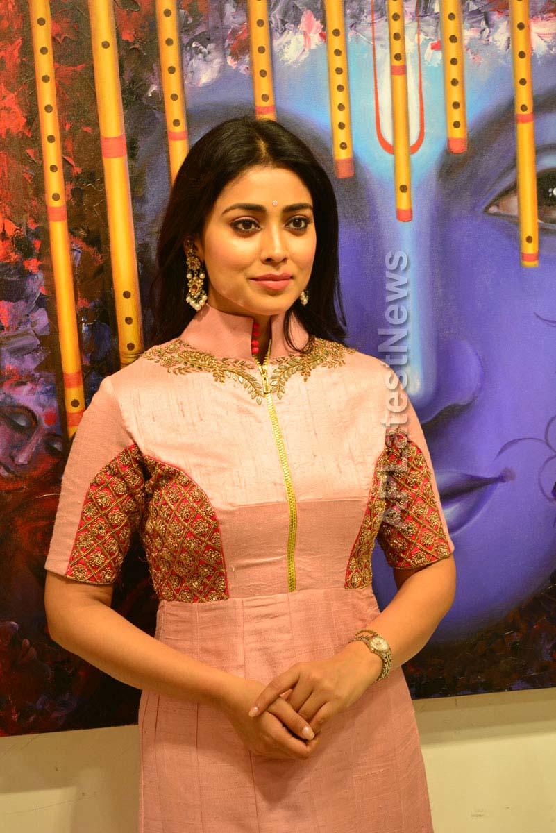 Actress Shriya Saran inaugurates Rakhi Baid art exhibition - Krishnansh - Picture 6