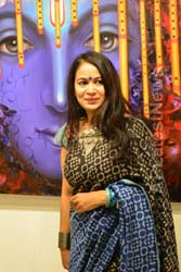 Actress Shriya Saran inaugurates Rakhi Baid art exhibition - Krishnansh