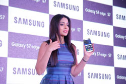 Samsung launched S7 and S7 Edge in Hyderabad, Actress Shriya Saran graced the occasion - News