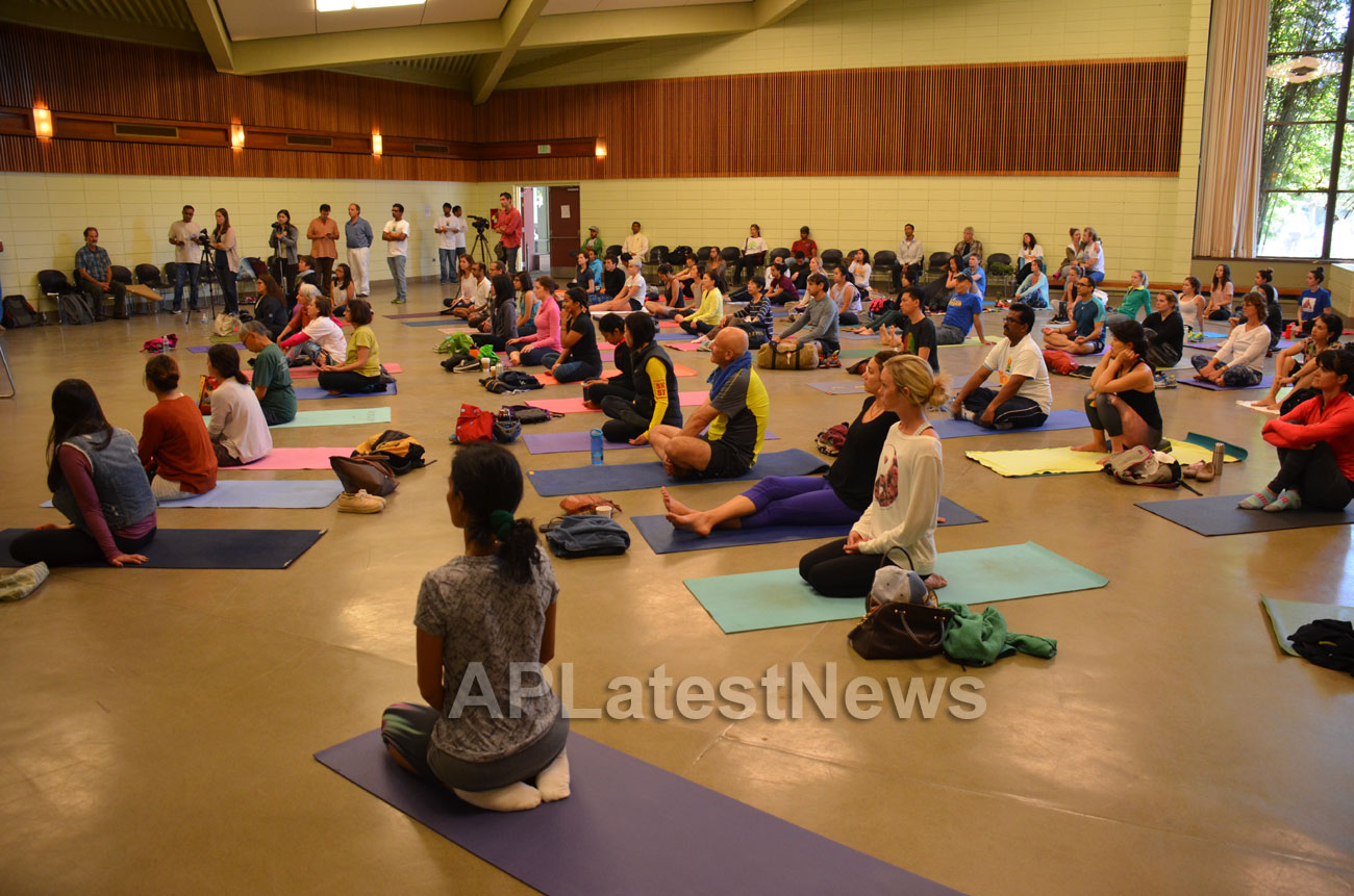 Celebration of 2nd International Day of Yoga, San Francisco, CA, USA - Picture 4