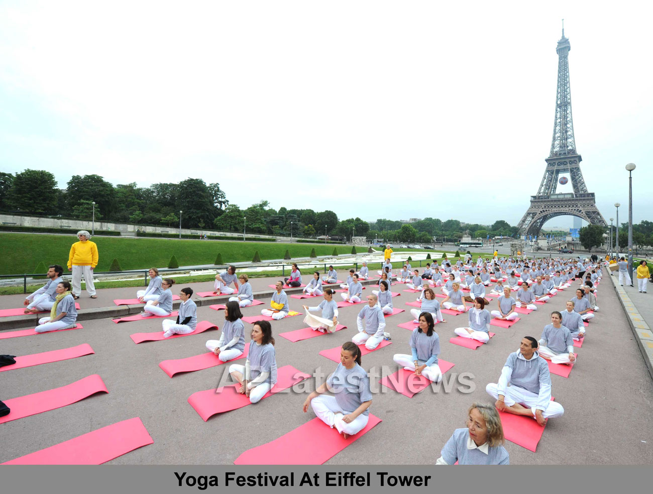 Euro Cup and Yoga Festival at Eiffel Tower Rocked Paris - Picture 1
