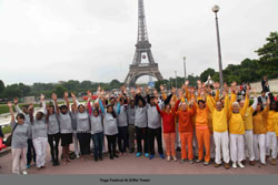 Euro Cup and Yoga Festival at Eiffel Tower Rocked Paris - Picture 9