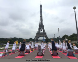 Euro Cup and Yoga Festival at Eiffel Tower Rocked Paris - Picture 2