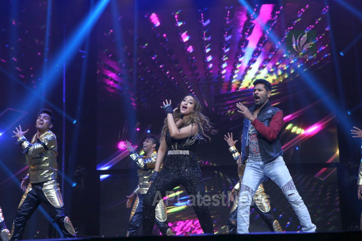 Da-Bangg Live in Concert - Big Bang by Bollywood Superstars to be held in Hyderabad - Picture 36